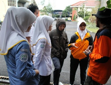 STIKES DHB PEDULI BANJIR BALEENDAH
